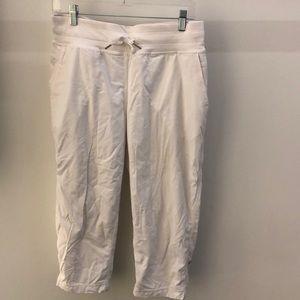 Lululemon white lined crop studio pant, sz 8